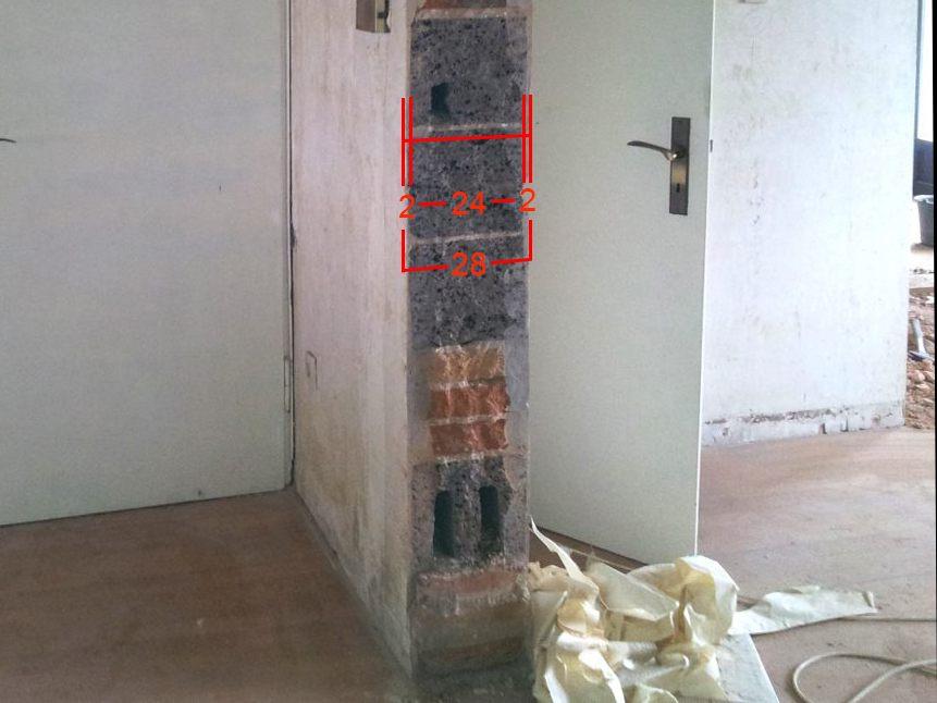 Tragende Wand aus Hohlbeton und Klinkersteinen mit 24cm Dicke