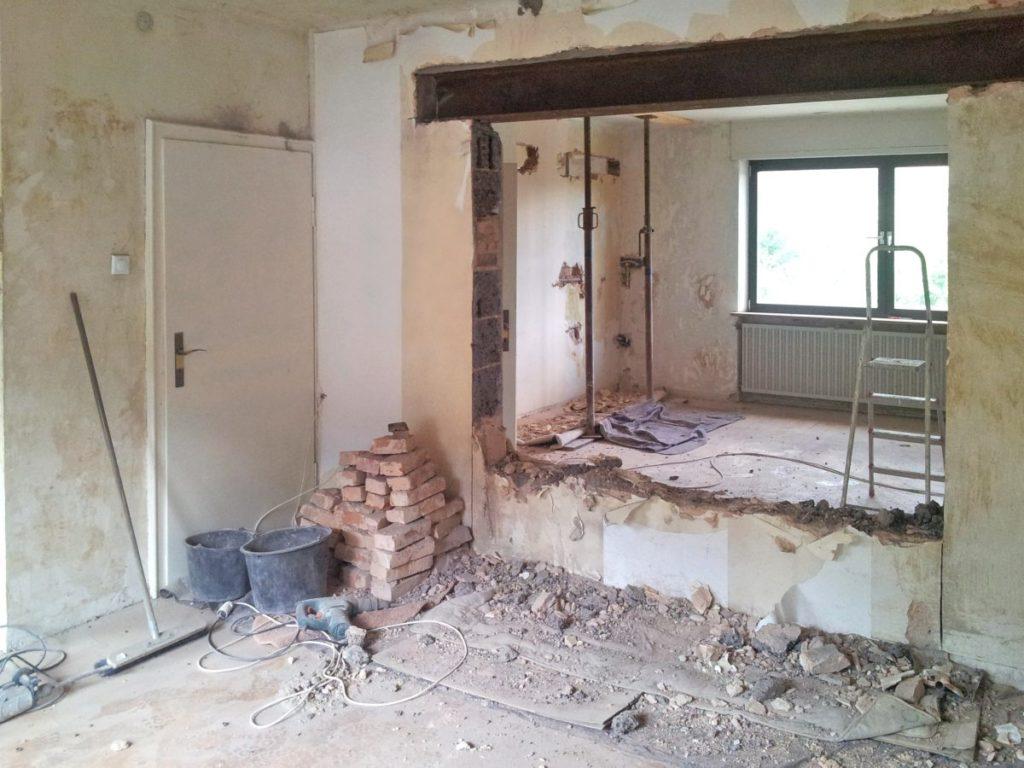 Wanddurchbruch einer tragenden Wand mit gesetztem Sturz