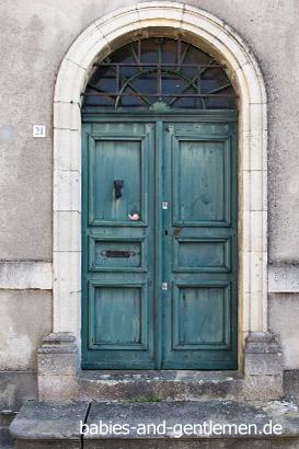 Labastide-d'Armagnac: dekorative Türen
