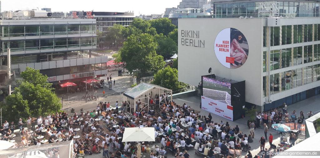 Public Viewing Bikini Berlin Breitscheidplatz